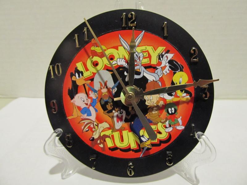 Looney Tunes CD clock