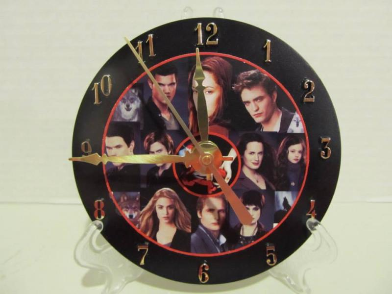 Twillight CD clock